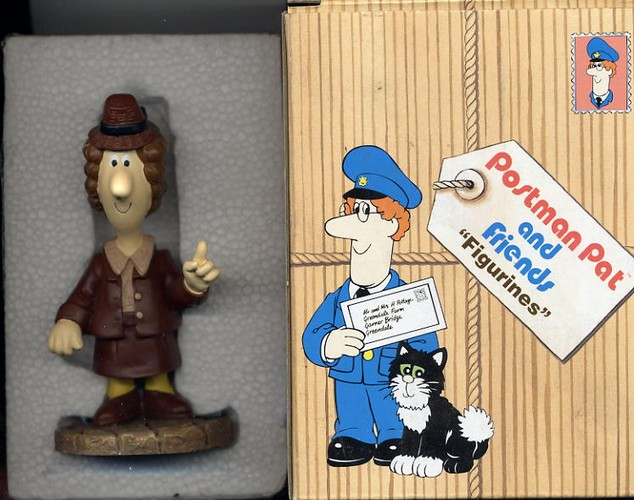 POSTMAN PAT AND FRIENDS FIGURINE 'Miss Hubbard'